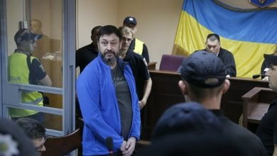 Photo of Ukrainian court frees Russian journalist after a year in jail