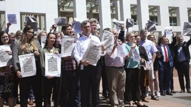 Photo of Australian papers censor front pages in press freedom campaign