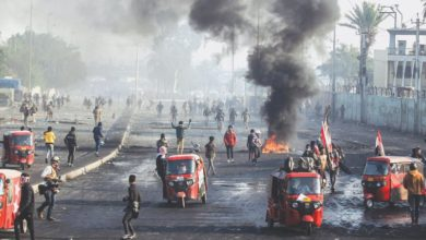 Photo of Four protesters, two policemen killed as Iraq unrest resumes