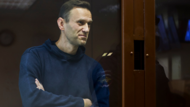 Photo of Russia expels EU diplomats over Navalny protests