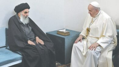 Photo of Pope, top Shia cleric plead for 'peace' in historic Iraq encounter