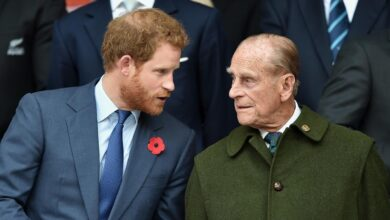 Photo of Prince Harry arrives back in the UK for Prince Philip's funeral