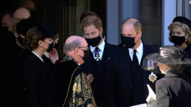 Photo of Hawk-eyed media captures Harry and William chatting together after royal funeral