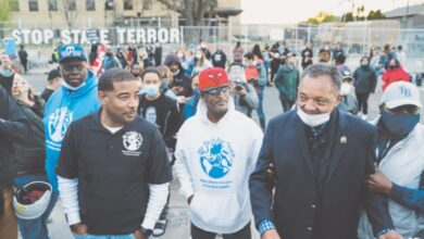 Photo of Calls for US police reform at fresh protest over Daunte Wright's killing