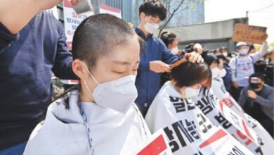 Photo of S. Koreans shave heads to protest Japan's N-waste water plan