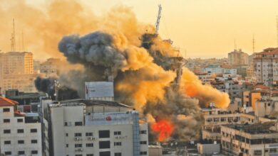 Photo of Israeli attacks on Gaza, militant rocket fire fuel fears of full-scale war