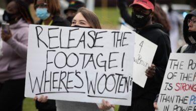 Photo of Prosecutor defends killing of black man by police in US