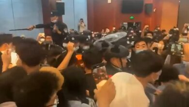 Photo of College students hold principal hostage for 'more than 30 hours' in rare protest in China