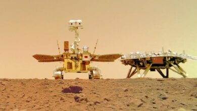 Photo of Photos show Chinese rover on dusty, rocky Martian surface