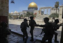 Photo of Israeli police fire stun grenades, rubber bullets at Palestinians outside Al Aqsa mosque compound