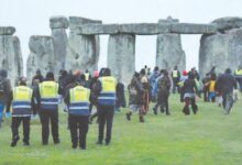 Photo of Crowds gather at Stonehenge for solstice despite advice