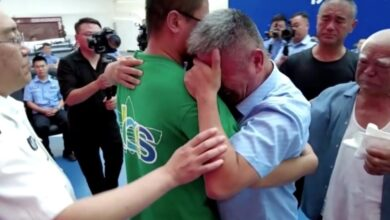 Photo of Man reunited with kidnapped son after 24 years in China